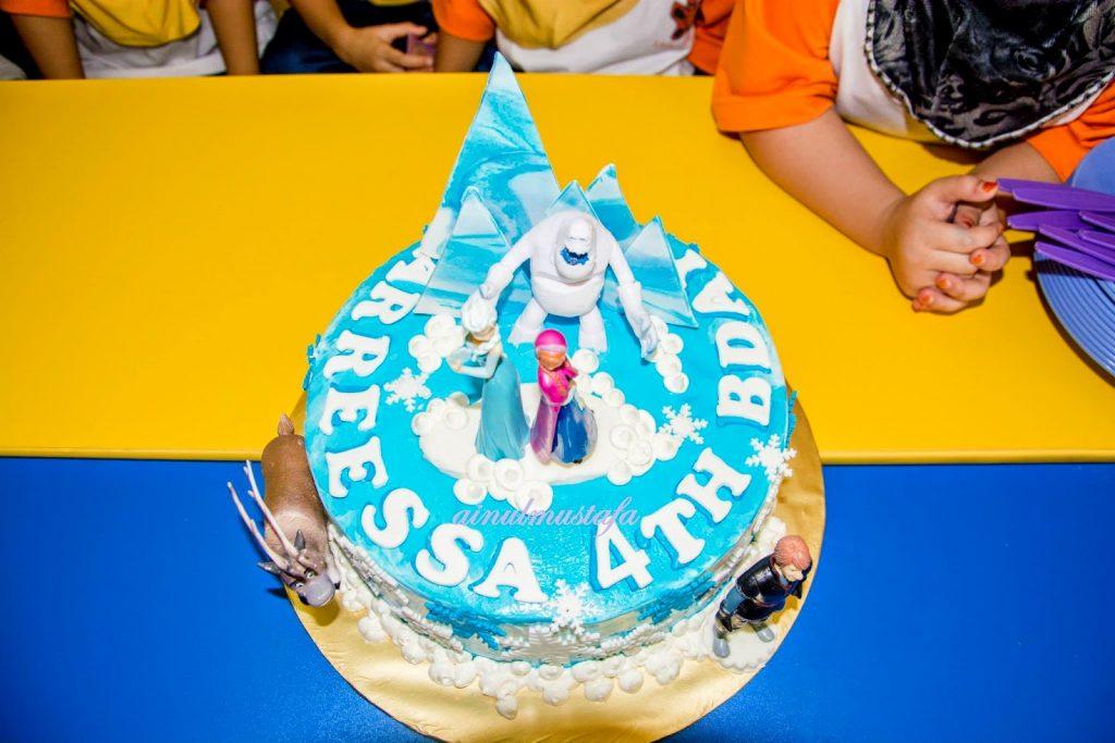 Arreessa Zulaikha 4 Tahun, kek frozen sedap, kek sedap shah alam